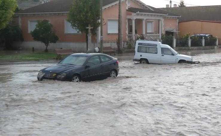 El desbordamiento del arroyo Horcajo provoca inundaciones en Vallelado