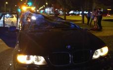 Un coche se salta un semáforo e impacta contra otro vehículo en Valladolid