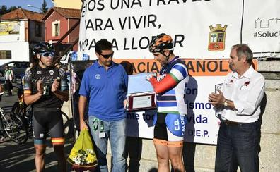 El Club Ciclista El Escorial homenajea a Manuel Gea