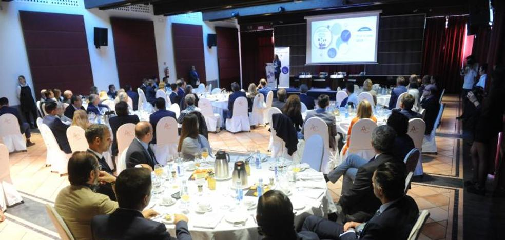 Rafael Domenech (BBVA): «La digitalización es una oportunidad, pero también un elemento de riesgo»