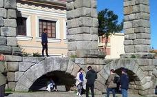 La alcaldesa de Segovia sugiere la videovigilancia para prevenir ataques al Acueducto