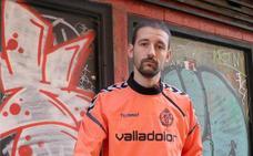 Erik Urano vuelve a lo grande con 'Balaclava' (y el escudo del Real 'Valladolor')