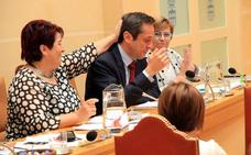 El Ayuntamiento mantiene la presión fiscal con el apoyo de Centrados