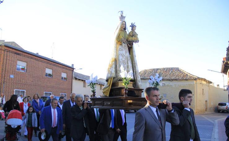 Procesión del Rosario en Peñaflor de Hornija