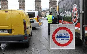 Detenido por triplicar la tasa de alcohol y colisionar con dos vehículos estacionados