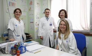 El hospital inicia la prevención en hijos de pacientes con problemas de alcohol