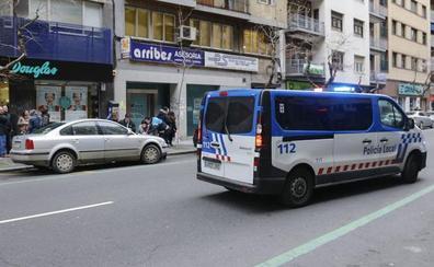 Detenida una pareja por tratar de robar en una armería en Salamanca