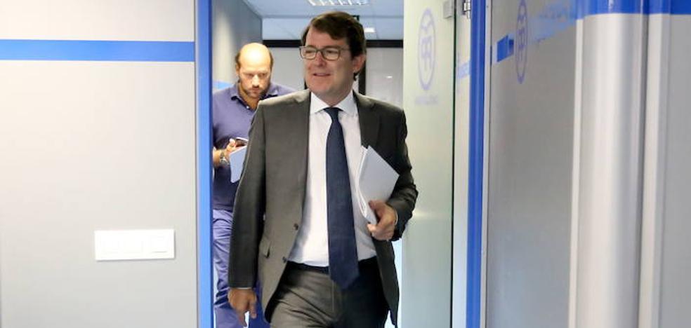 Mañueco abre «una reflexión conjunta» con el PSOE tras el veto de la oposición a que Fernández Santiago presida el Consejo Consultivo