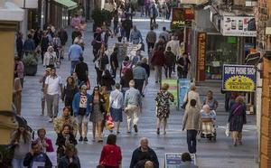 De aquí al año 2033, menos niños, más ancianos y por debajo de los 500.000 vecinos en la provincia