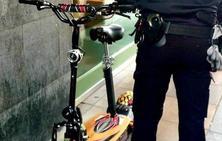 Denuncian al conductor de un patinete eléctrico que circulaba por la acera en Valladolid