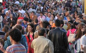 La baja natalidad y la emigración restarán más de 10.100 vecinos en 15 años