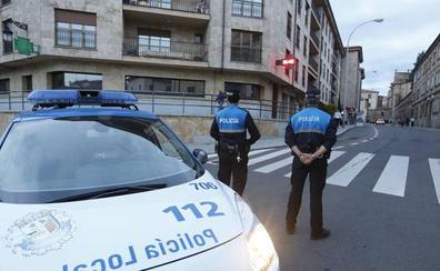 La Policía Local intercepta a un conductor derrapando y haciendo trompos junto al cementerio