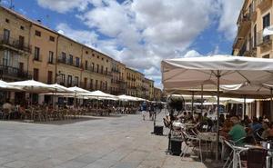 Comercio y hostelería presentarán un calendario para extender las terrazas en Ciudad Rodrigo