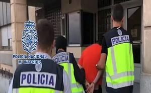 El violador Esteban Vacas cumple dos semanas en la enfermería de la cárcel de Topas a la espera de un nuevo destino