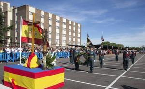 El coronel jefe de la Comandancia de Valladolid anima a las mujeres a incorporarse a la Guardia Civil
