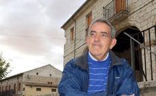 El cura que ofrece a los presos de Valladolid una almohada para los sueños de libertad