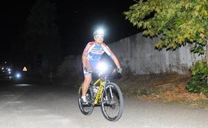 Noventa subidas en bici al cerro de San Cristóbal para «visibilizar el TDAH»