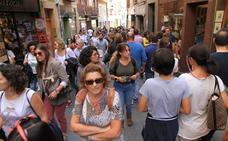 La Policía Local cierra los accesos al casco histórico de Segovia ante el aluvión de turistas