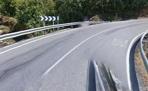 El conductor de una grúa fallece tras precipitarse por un puente a la orilla del río Tiétar en la carretera AV-922 en Pedro Bernardo