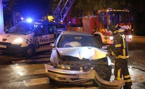 Herido al chocar con una farola en la avenida Castilla de Palencia