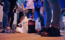 Denunciados en Valladolid 28 jóvenes, nueve menores de edad, por consumir alcohol en la calle