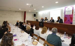 Un centenar de sumilleres inauguran en Peñafiel las jornadas internacionales sobre el vino