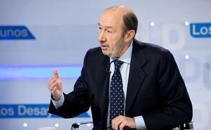 Rubalcaba admite que todos los gobiernos buscaron el «final dialogado» con ETA