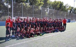 80 niñas aprenden en la Escuela de Fútbol Femenino de la Federación de Castilla y León