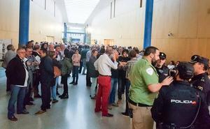 200 veterinarios se encierran en Valladolid al ver en peligro su continuidad en la administración sanitaria
