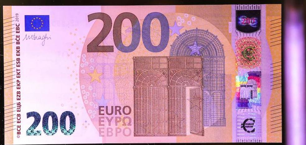 Dos detenidos por agredir a varias personas en Olmedo y robar 200 euros y un móvil