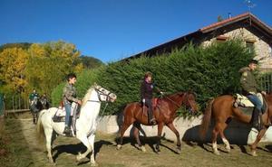 La Pernía ensalza los caballos