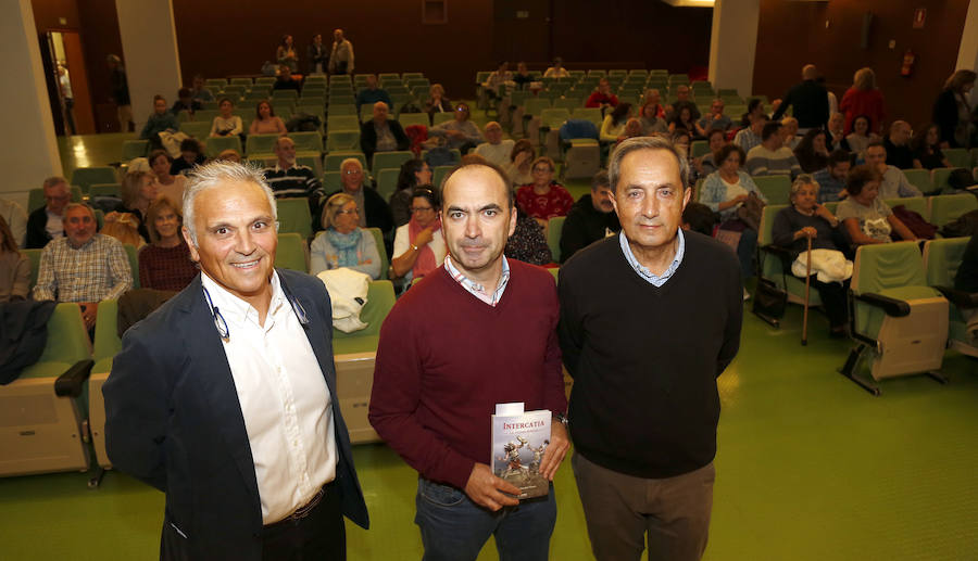 Javier Abarquero traslada Intercatia a una novela