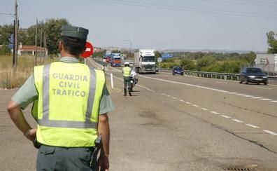 La Guardia Civil auxilia a una mujer francesa de 75 años olvidada en una gasolinera de Alcañices, Zamora