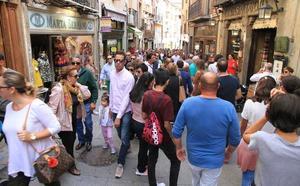 Segovia duplica los turistas en el puente del pilar