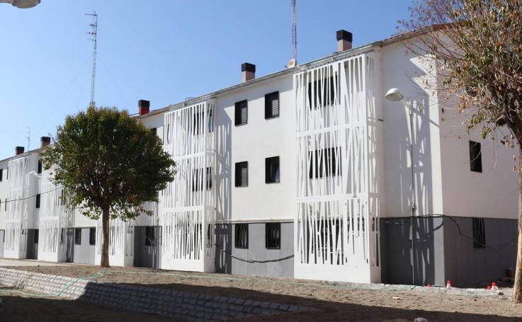 Así va la reforma de los bloques de viviendas del 29 de Octubre, en Pajarillos
