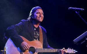 Alvaro Urquijo, cantante: «Los Secretos nunca hemos tenido fans»