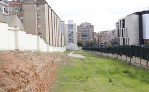 Defensa «acudirá a los tribunales» si el Consistorio cambia el uso de su suelo