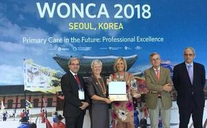 La vallisoletana Verónica Casado recoge en Seúl el premio a la mejor médico del mundo