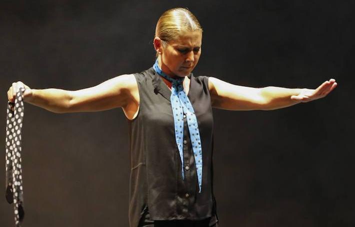 Sara Baras llena con sus sombras el CAEM de Salamanca