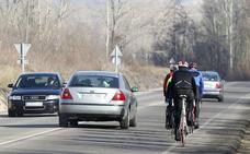 Las rutas protegidas para ciclistas propuestas por Tráfico están sin señalizar