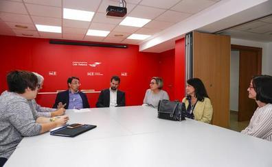 El PSOE respalda las reivindicaciones en favor de la unidad de Foniatría