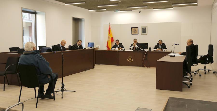 El octogenario acusado niega abusos sexuales a dos niñas de 5 y 7 años