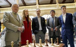 Kárpov y Topalov acuden a la inauguración del 'Festival de Ajedrez VIII Centenario' en Salamanca