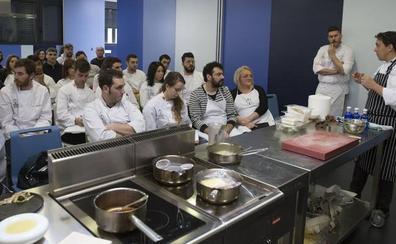 José María Ruiz, Luis del Olmo, la Escuela de Cocina Fernando Pérez y el Ayuntamiento de León, Premios Nacionales de Hostelería