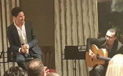 David DeMaría emociona en la cena solidaria del Banco de Alimentos de Valladolid