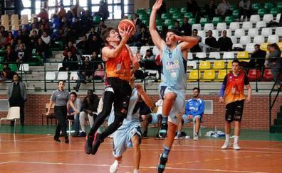 El Aquimisa Carbajosa no arranca y cae otra vez ante el Estudiantes Lugo (72-81)