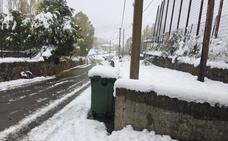 Tráfico embolsa vehículos en Aguilar al quedar intransitable la Autovía de Cantabria