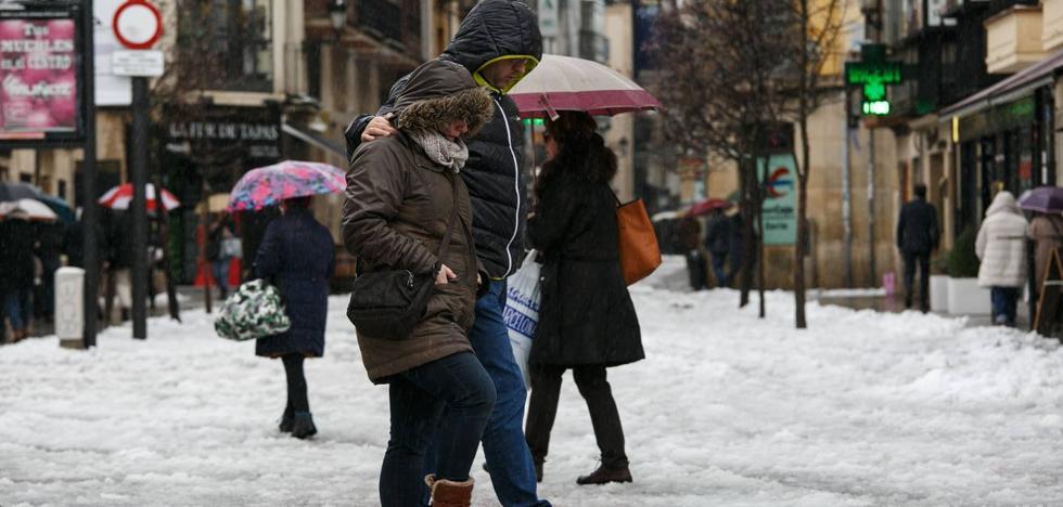 El Ayuntamiento coordina el Plan de Nieve con más de 70 trabajadores