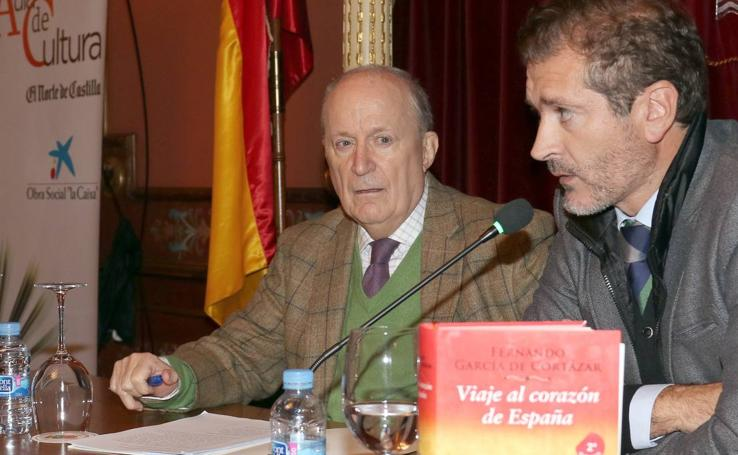 Fernando García de Cortázar, en el Aula de Cultura de El Norte de Castilla