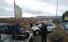 Un herido leve al salirse de la vía y derribar un semáforo en Valladolid